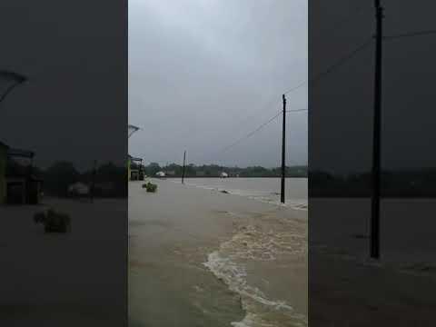 Banjir di Jl Watukelir - Karangtengah SMP Negeri 2 Weru Sukoharjo 28 November 2017