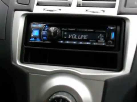2007 Toyota Yaris after market radio install 4