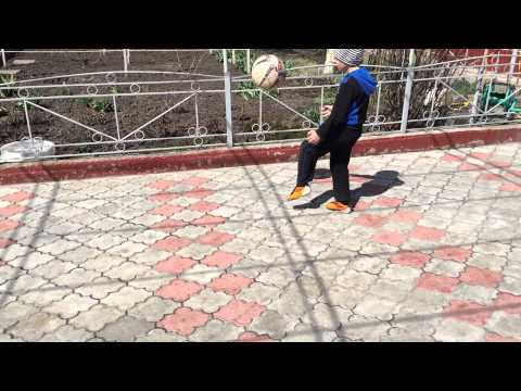 Футбольный виртуоз Ренат  6 Лет