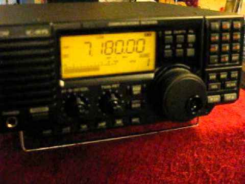 Icom IC-R75 In Action 2