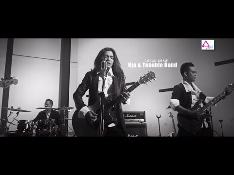 Cukup Sekali - Oja & Tunable Band ( OFFICIAL VIDEO )