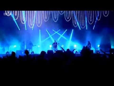 Arctic Monkeys live @ Reading Festival 2014 (Full set)
