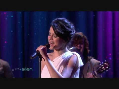 Selena Gomez Come And Get It Live Performance SINGING LIKE AN ANGEL !