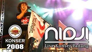 KEREN !! NIDJI HOLIQ PADANG NAIK KEATAS PANGGUNG DAN BERNYANYI (Live Konser)