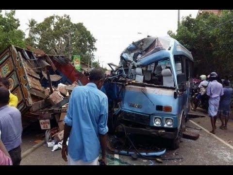 Accident at Jaffna Avarangal Region : 32 Injured