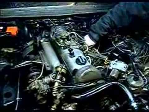 Mercedes-Benz W123 300D Turbo Diesel Engine Running