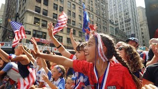 Crowds Fangirl for Women's National Soccer Team