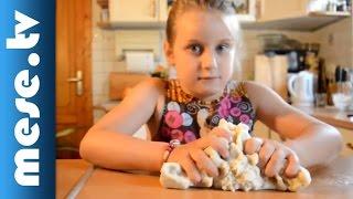 Kati-patika - Játék só-liszt gyurmával (kreatív foglalkozás gyerekeknek)