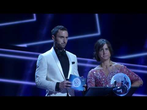 Petra & Måns announce the winner @ final dress rehearsal | wiwibloggs