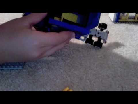 Lego Toys R Us truck 7848