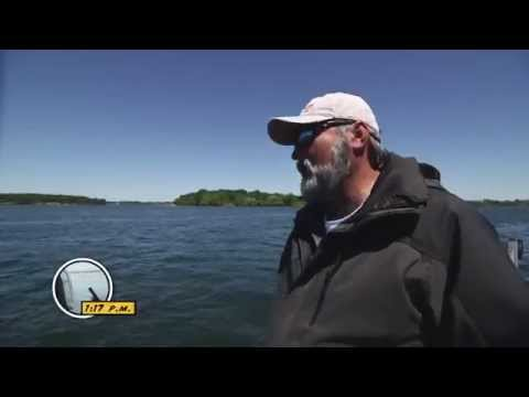Handlining St. Lawrence River Smallmouth Bass - Dave Mercer's Facts of Fishing THE SHOW