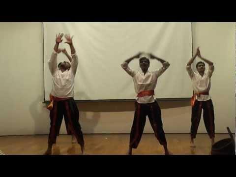Malayalam Folk Dance Based On A Song From Urumi  --rgcb Onam 2011 video
