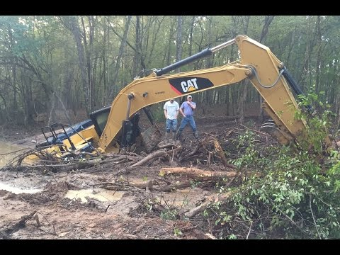 Stuck Trackhoe Excavator Buried Rental Disaster Caterpillar Part 1…