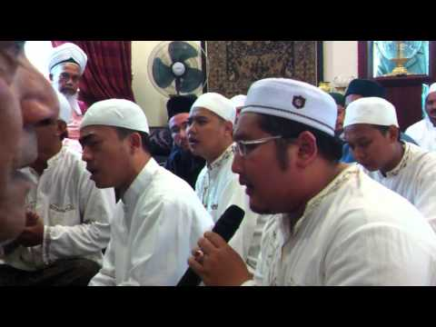 Habib Shaykh And His Group Recite Salawat video