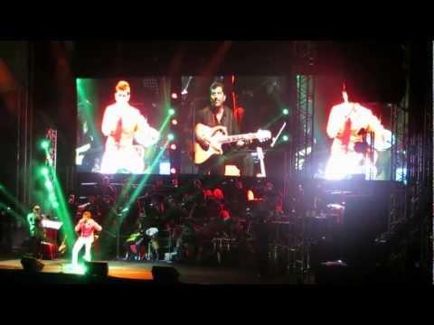 Sonu Nigam singing Ae Mere Pyare Watan song