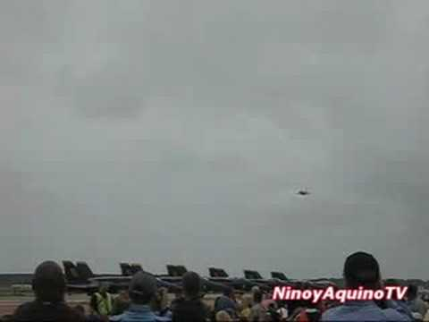 F-18 Super Hornet's AMAZING hi-speed pass! (NAS Oceana Air Show 2008) Video