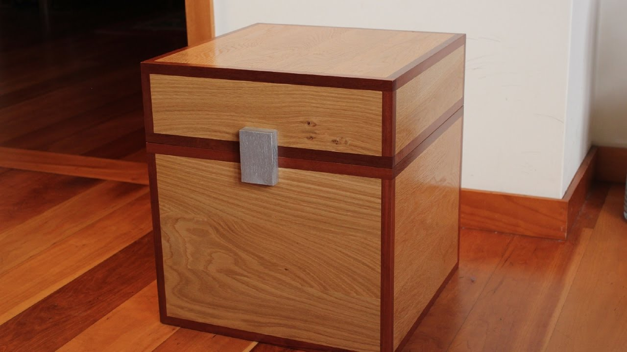 ... to make a Minecraft chest in real wood - Minecraft Toys Box - YouTube