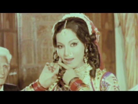 Humne Dhundha Tujhe Kaha Kaha - Lata Mangeshkar, Gaddaar Mujra Song video