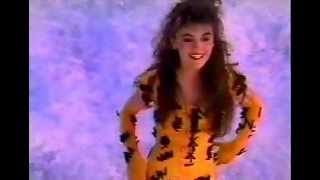 Watch Alyssa Milano Look In My Heart video