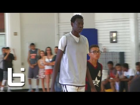 Manute Bol's 14 Year Old Son Bol Bol is 6'10 & FULL of Potential!!