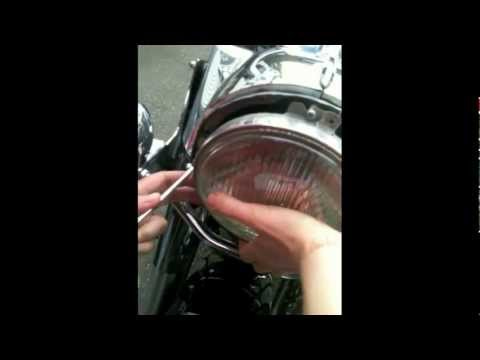 How to change the handlebars on a custom Harley Davidson Road King