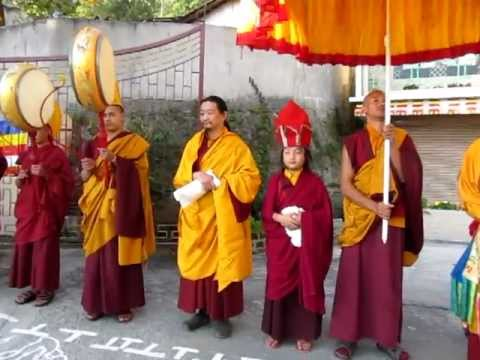 Arrival of H.H. Taklung Tsetrul Rinpoche to Gonjang Monastery