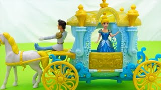 Cinderella MagiClip ! Toys and Dolls Fun Playing with Carriage and Mini Castle Playset