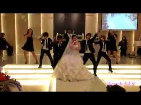 極具誠意的婚禮表演,新娘兄弟同跳 《Gentlemen》!