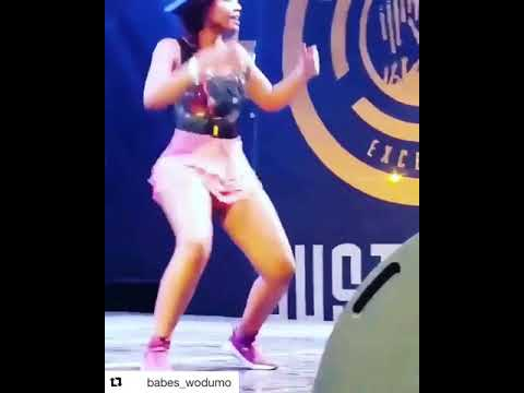 BABES WODUMO SHOWS HER HOT DANCING SKILLS thumbnail