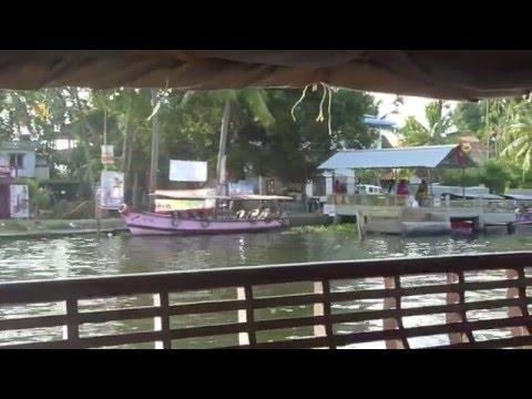 Cruising the Kerala Backwaters on a Houseboat
