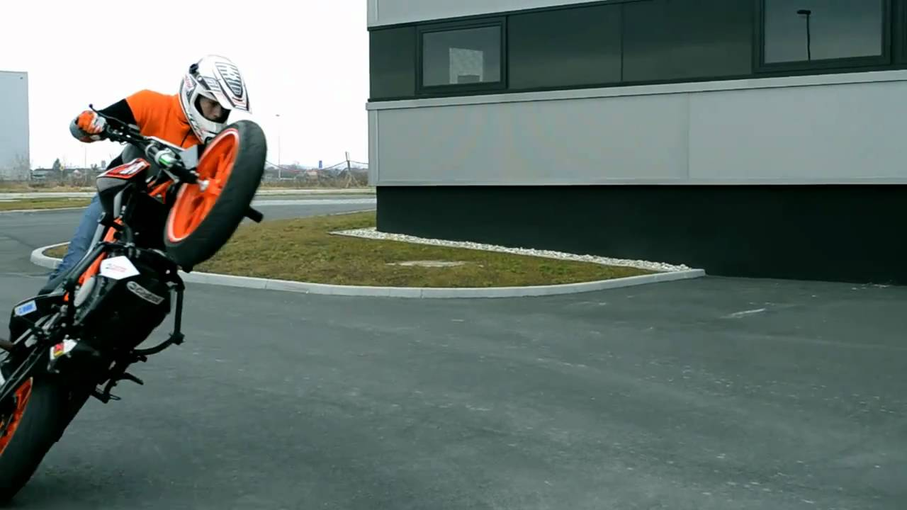 Ktm Duke Bike Stunts Ktm Duke 125 Stunt 2011