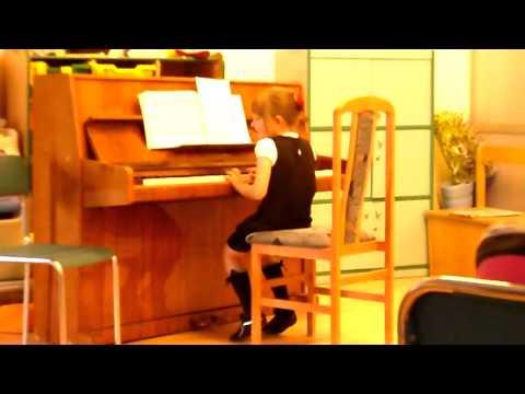 Audrey BW Lat 6 - Audycja Po Roku Nauki Gry Na Pianinie