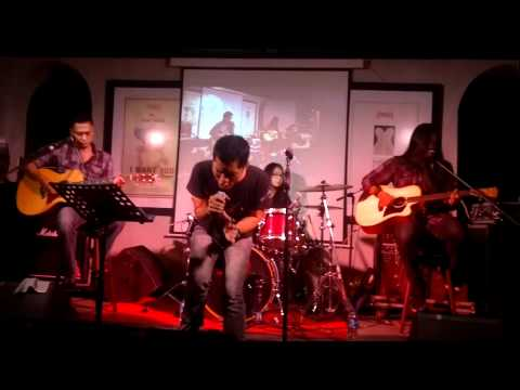 Andra and The BackBone Dream On Move On  Accoustic Version