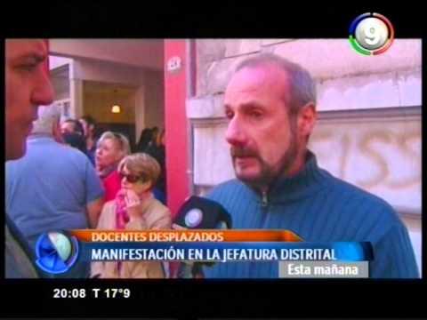 Canal 9 Bahía Blanca - Docentes desplazados se manifestaron frente a la Jefatura Distrital