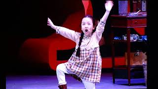 Annie at Hollywood Bowl - Never Fully Dressed Without A Smile (#MaleaEmma as Molly)