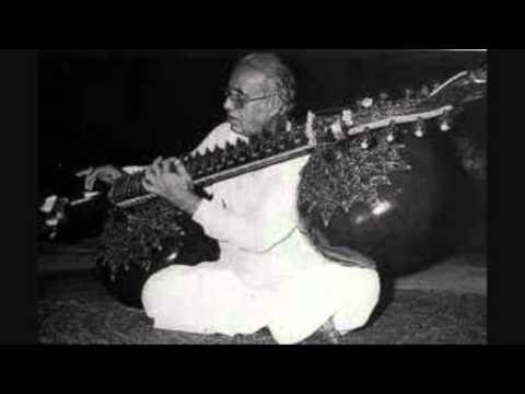 Zia Mohiuddin Dagar (2) - Dhrupad - Raga Ahir Lalit Live in...