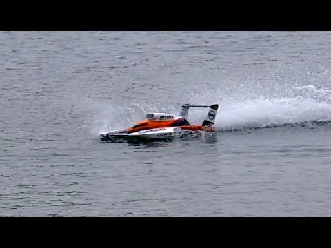 RC POWERBOAT INCREDIBLY VERY VERY FAST SPEEDBOAT / Powerboat Event Edderitz Germany April 2015