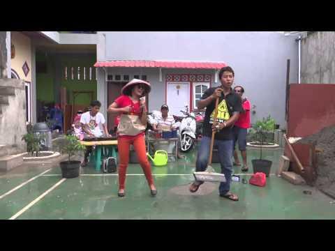 download lagu HEBOH BANGET ! Parodi Antara Aku Kau Dan Batu Akikku - Wali Murid Ban gratis