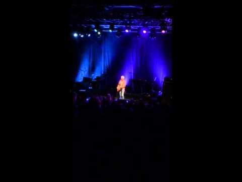 Sinead O'Connor - new version of Irish national anthem