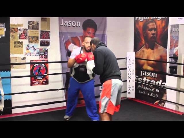 154 champ Demetrius Andrade Working out - EsNews boxing