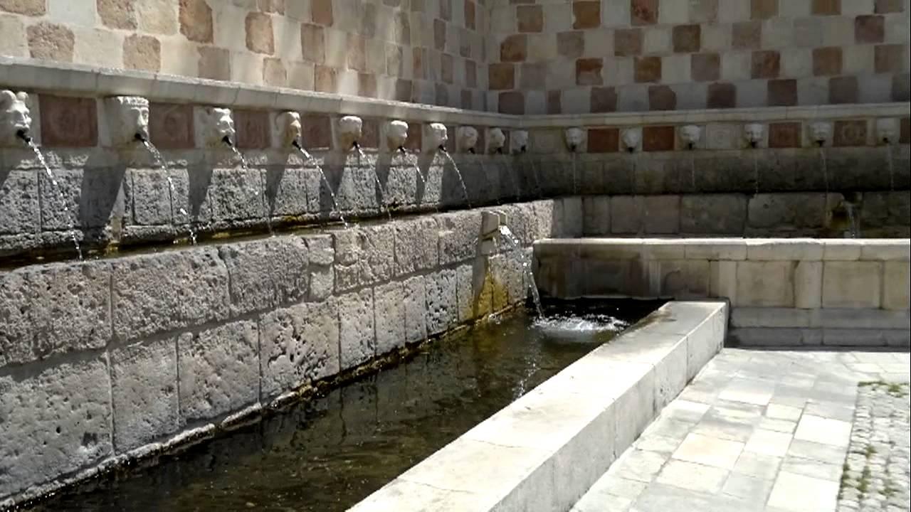 L 39 aquila fontana delle 99 cannelle youtube for Volantino acqua e sapone l aquila