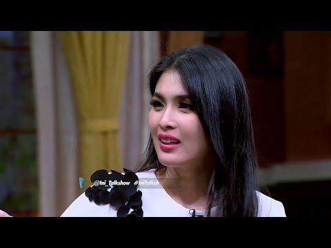 download lagu Sandra Dewi Termangu Sang Suami Tiba-tiba Ada Tompelnya.. gratis