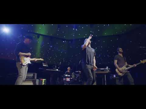 Coldplay - A Sky Full Of Stars (live from Ghost Stories TV Special) klip izle