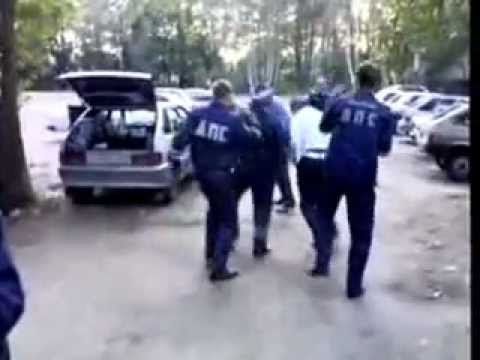 Полицейские танцы. Видео KingiseppNews.Ru