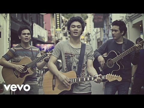 download lagu TheOvertunes - Dunia Bersamamu (Video Clip) gratis