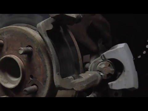 Замена задних тормозных колодок тойота королла своими руками