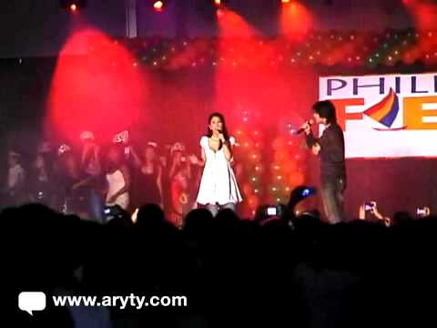 Pops Fernandez and Piolo Pascual sing at PH Fiesta 2007