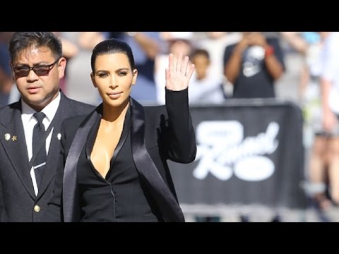 Kim Kardashian Waves Hello From Hollywood