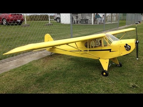 Huge Quarter Scale Piper Cub RC Plane Flying