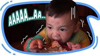 BABY EL BELAJAR MAKAN SENDIRI !!